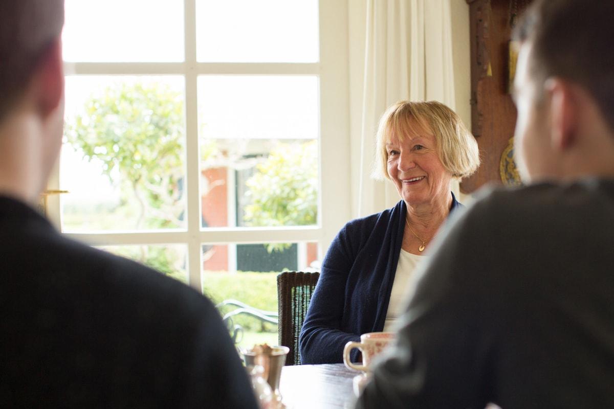 Interview thuis aan de koffietafel